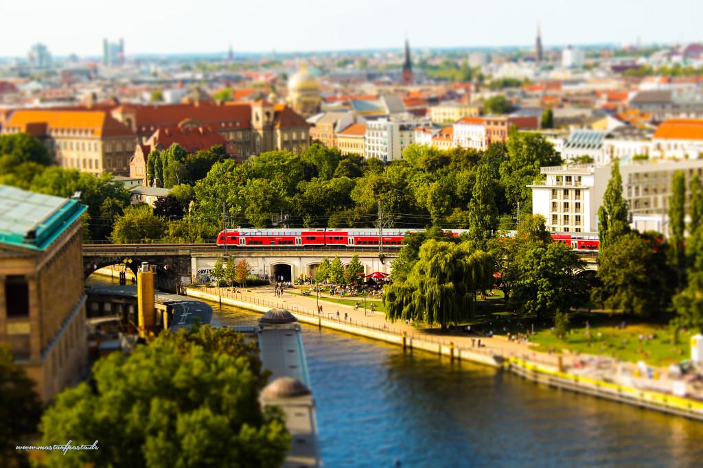 Berlin,-Monbijou-Park,2012