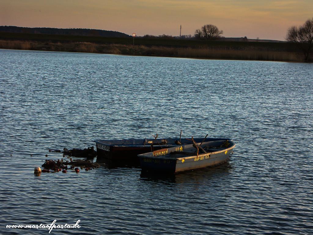 Herbst-am-Kanal---Boote